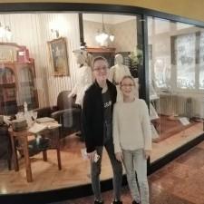 | Sziklakorház látogatás